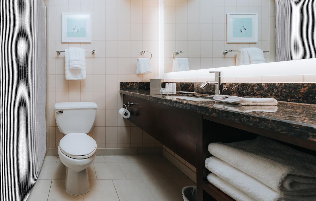 Hotel Lulu bathroom