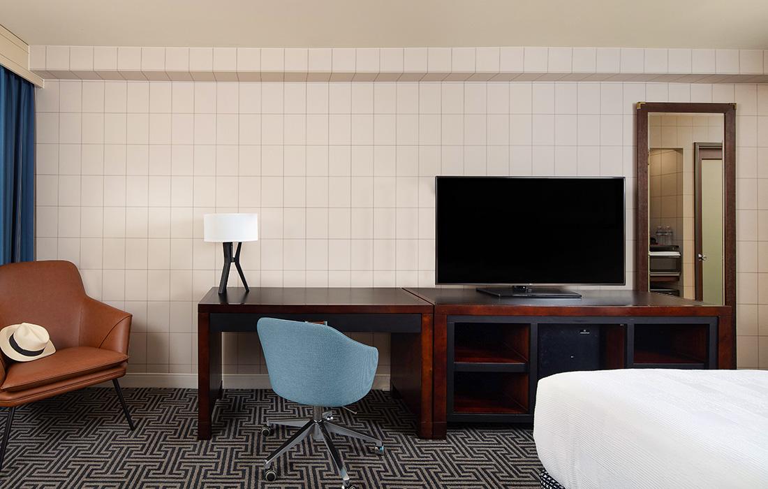 Standard King Bedroom Amenities at Hotel Lulu in Anaheim